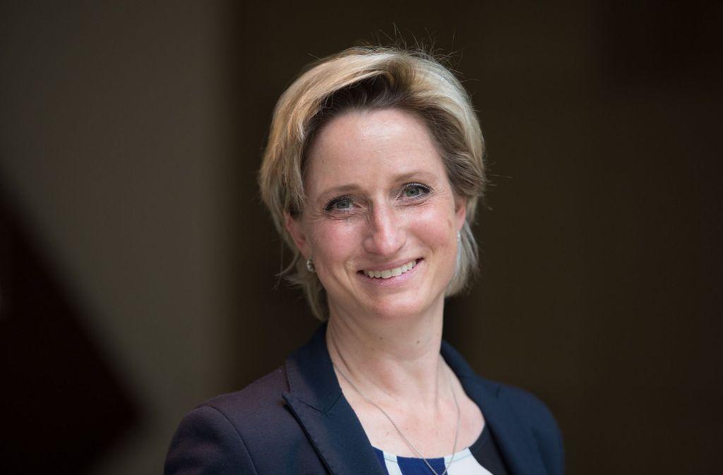 Nur milder Tadel für den Prüfverband: Wirtschaftsministerin Hoffmeister-Kraut Foto: dpa