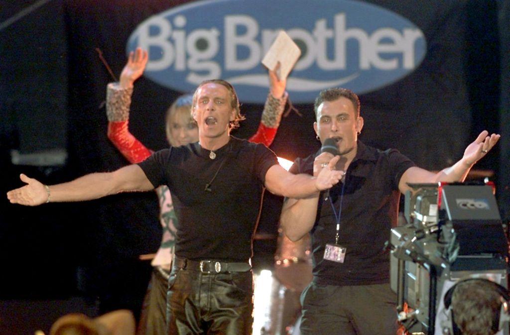 Jürgen (links) und Zlatko sind Bewohner der ersten Stunde. Vor 20 Jahren zogen sie in den ersten Big Brother-Container ein. Foto: dpa/Gero Breloer
