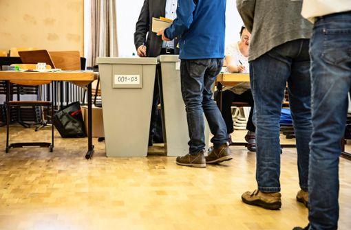 Wähler werfen fleißige Kräfte aus dem Rennen
