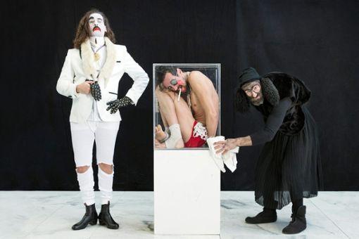 """Das groteske Clowntrio von Martin Zimmermanns """"Eins Zwei Drei"""" tritt im Theaterhaus auf: am 28. und 29. Februar, jeweils um 20.30 Uhr."""