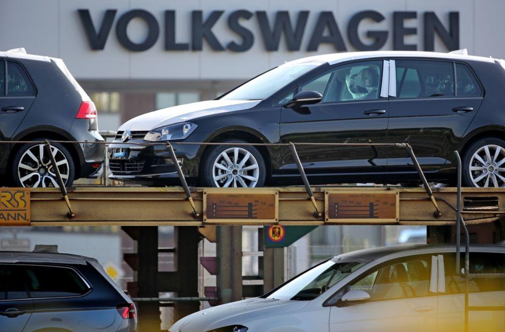 Derzeit laufen keine neuen VW golf in Wolfsburg vom Band. (Archivfoto) Foto: dpa-Zentralbild