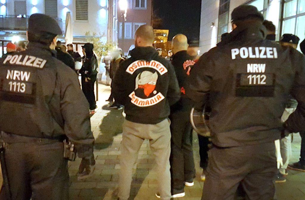 Die nationaltürkische Gruppierung Osmanen Germania hält die Polizei mit Gewaltdelikten in Atem. Foto: dpa