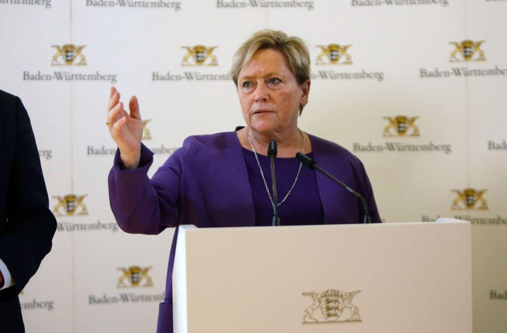 Kultusministerin Susanne Eisenmann bereitet sich mit ihrem Ministerium auf verschiedene Szenarien vor. Foto: imago images/Arnulf Hettrich
