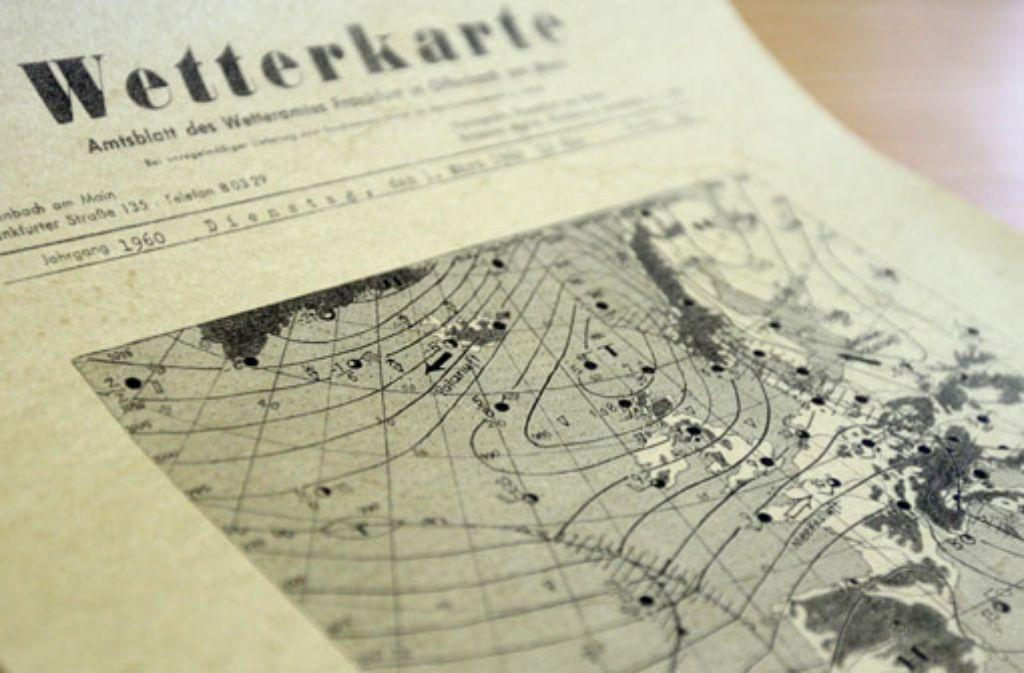 Eine Wetterkarte aus dem Jahr 1960. Foto: dpa