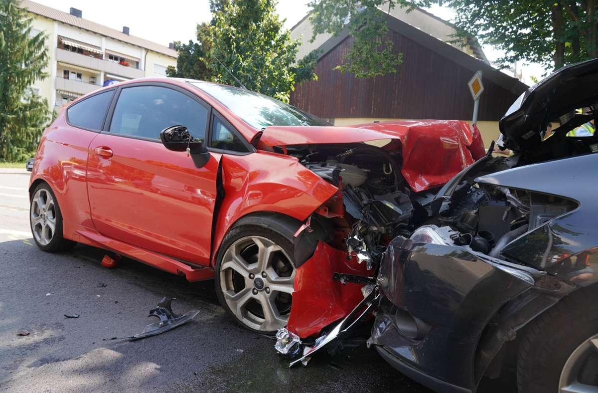 Schwerer Unfall in Stuttgart-Weilimdorf am Freitag. Foto: Andreas Rosar/Fotoagentur-Stuttgart