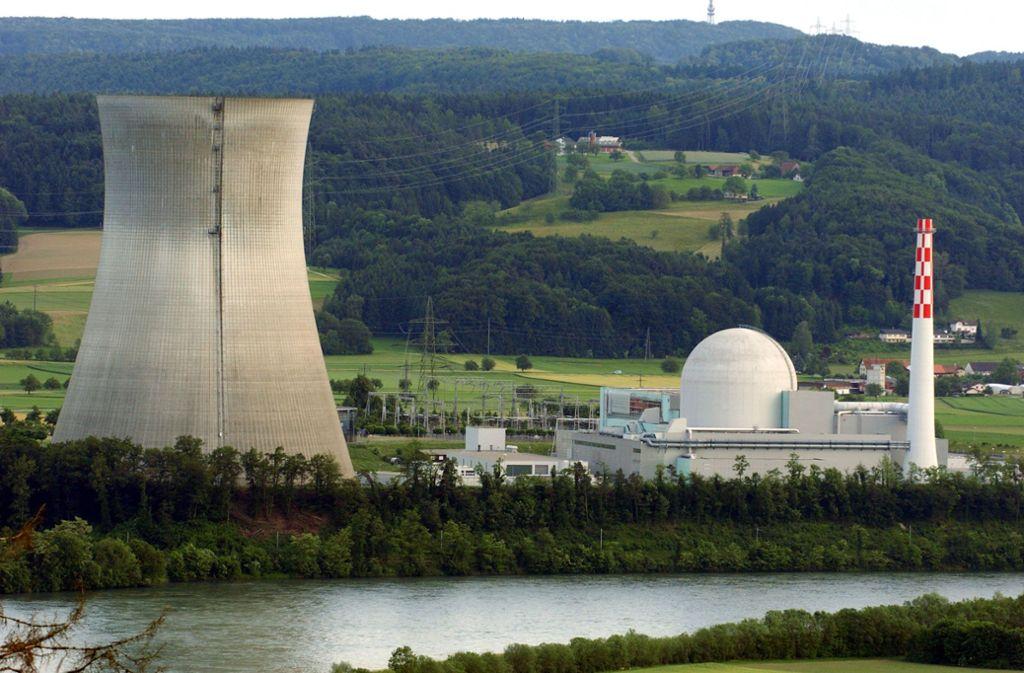 Das schweizerische Atomkraftwerk Leibstadt befindet sich  am Hochrhein, nahe der deutschen Grenze. Foto: dpa