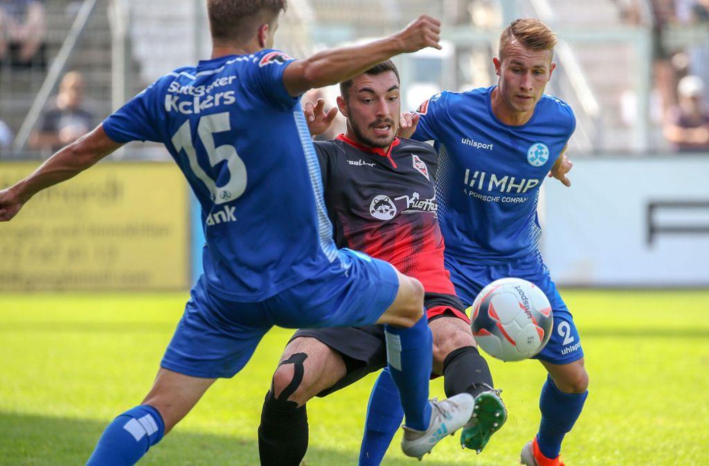 Malte Moos (re.): Sein drittes Saisontor zur 1:0-Führung reicht in Freiburg nicht zum Sieg Foto: Baumann
