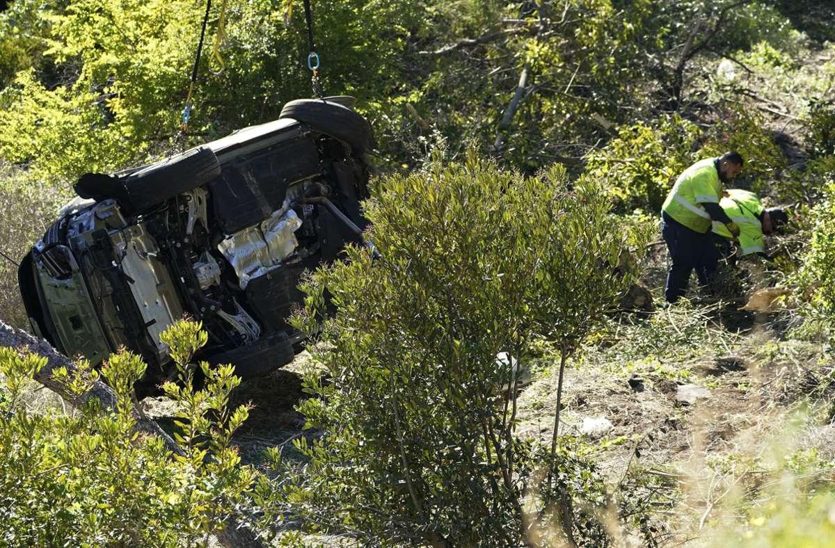 Der Wagen von Woods hatte sich überschlagen. Foto: dpa/Marcio Jose Sanchez