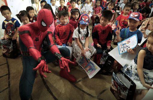 Spiderman besucht chinesischen Kindergarten