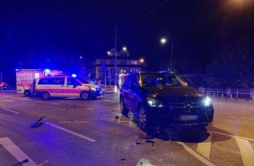 Kreuzungscrash fordert drei Verletzte – darunter zwei Kinder