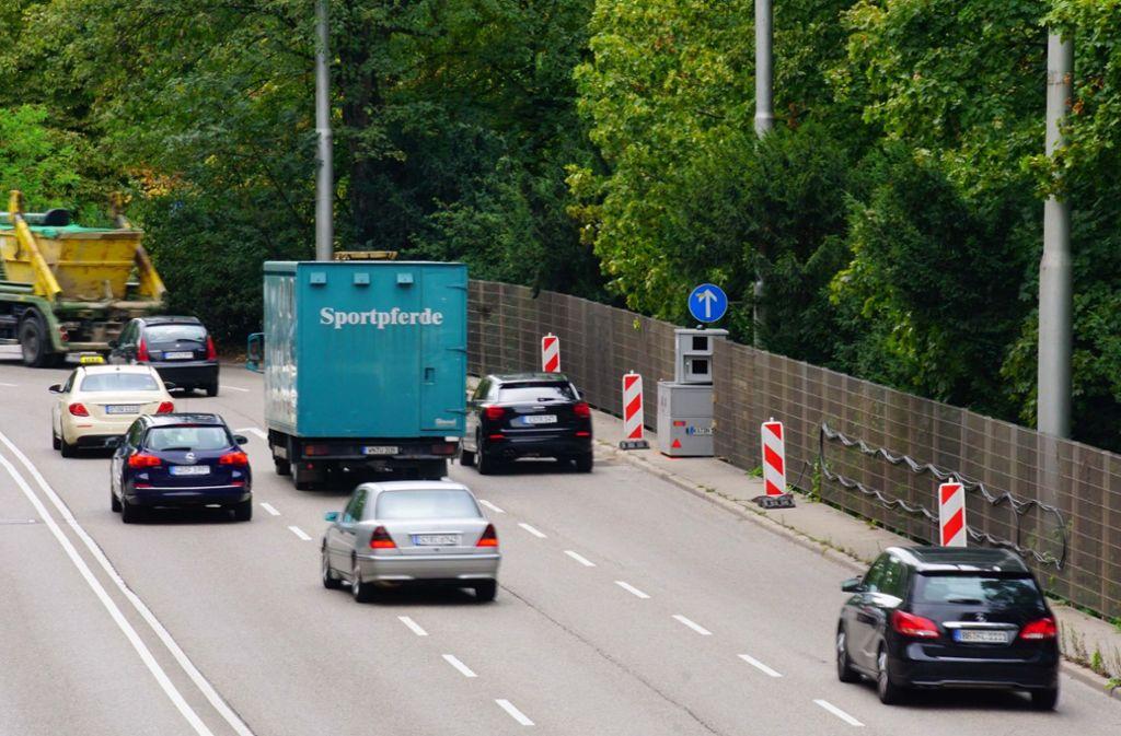 In der Kurve nach der Heilmannstraße soll künftig Tempo 40 gelten. Foto: Rosar