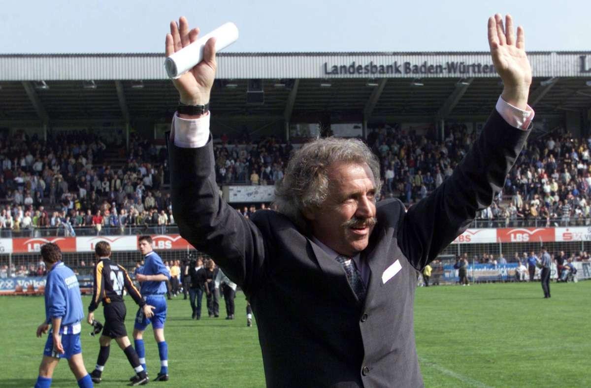 """""""Lebbe geht weiter"""", lautet das Motto von Dragoslav Stepanovic, der im Jahr 2000 die Kickers trainierte. Foto: imago/Sportfoto Rudel"""