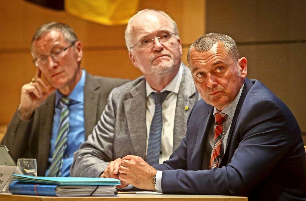 Roland Bernhard (links) überlegt, ob es Thilo Schreiber (rechts) unterstützt. Foto: factum/Granville