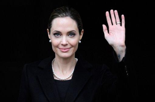 Angelina Jolie spricht auf dem G8-Gipfel in London