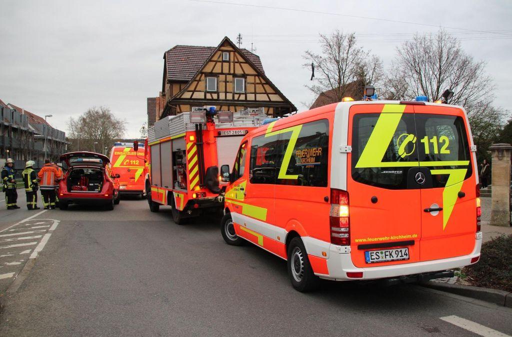 Die Polizei und Feuerwehr rückte in Kirchheim mit einem Gas-Spürtupp aus. Foto: 7aktuell.de/Enrique Kaczor