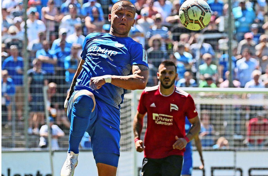 Erzielte zwei Tore beim 5:1-Pokalerfolg  der Stuttgarter Kickers bei Türkspor Neu-Ulm: Shkemb Miftari. Foto: Baumann