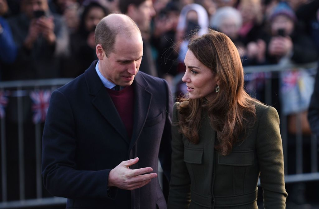 Sie wahren den Schein: Herzogin Kate und Prinz William bei ihrem Besuch in Bradford. Foto: AFP/OLI SCARFF