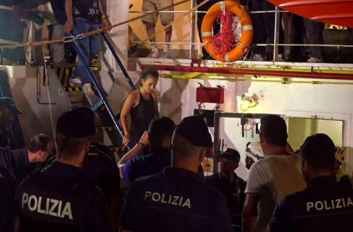 Empörung über Festnahme der Kapitänin Carola Rackete