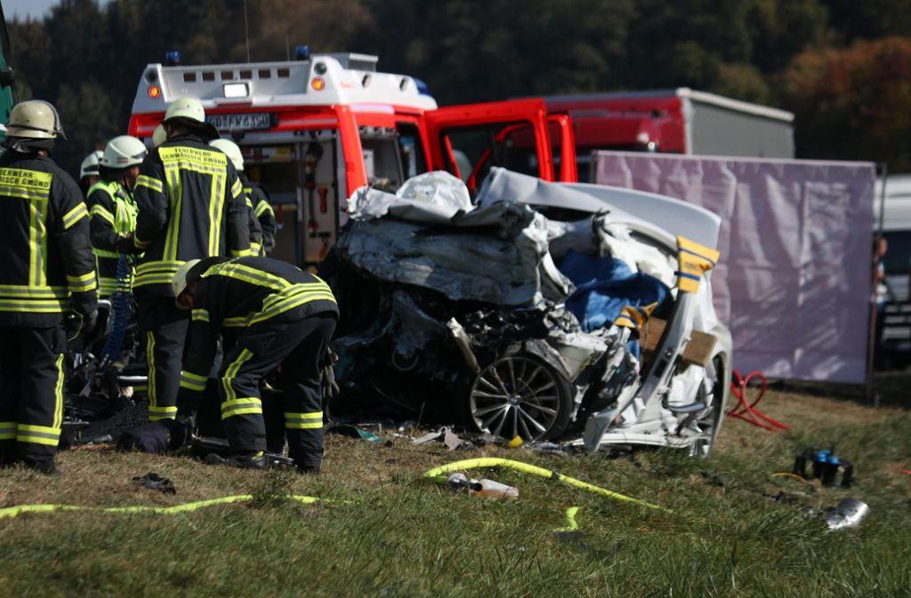 Die B29 ist nach einem tödlichen Unfall komplett gesperrt. Foto: 7aktuell.de/Kevin Lermer