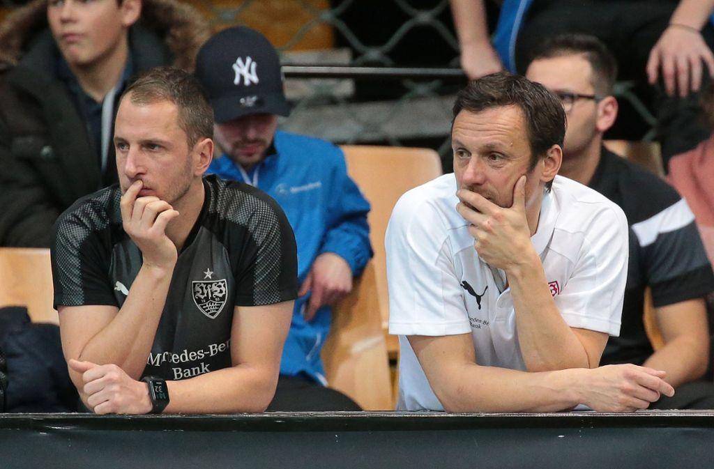 Wechselspiel: Heiko Gerber (re.) löst Tobias Rathgeb (li..) als künftiger Co-Trainer des VfB Stuttgart II ab. Foto: Baumann