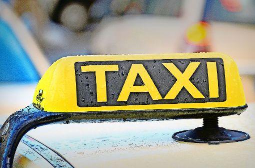 Trickbetrüger machen Taxifahrer zu Komplizen