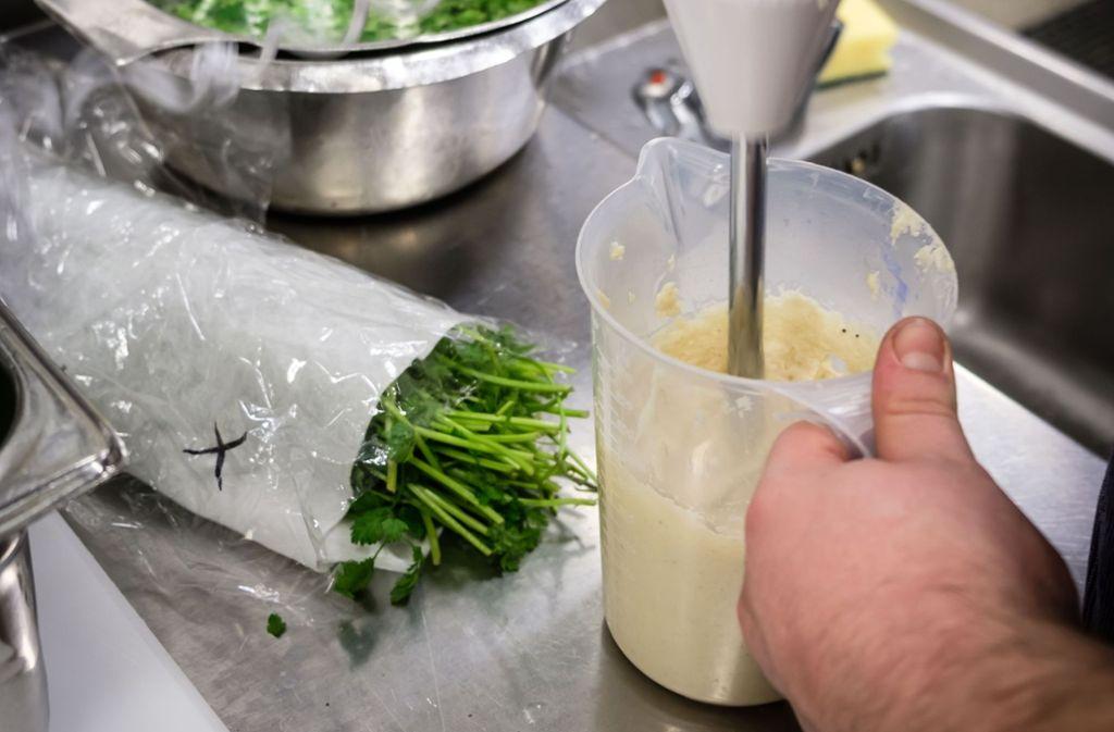 Heißes Püree hat einen Koch schwer verletzt (Symbolfoto). Foto: Lichtgut/Achim Zweygarth