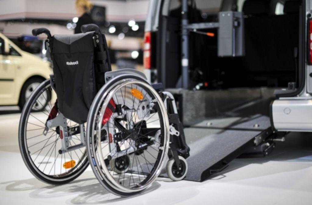 Der Transport von behinderten Schülern wird im Stauferkreis neu organisiert. Foto: dpa