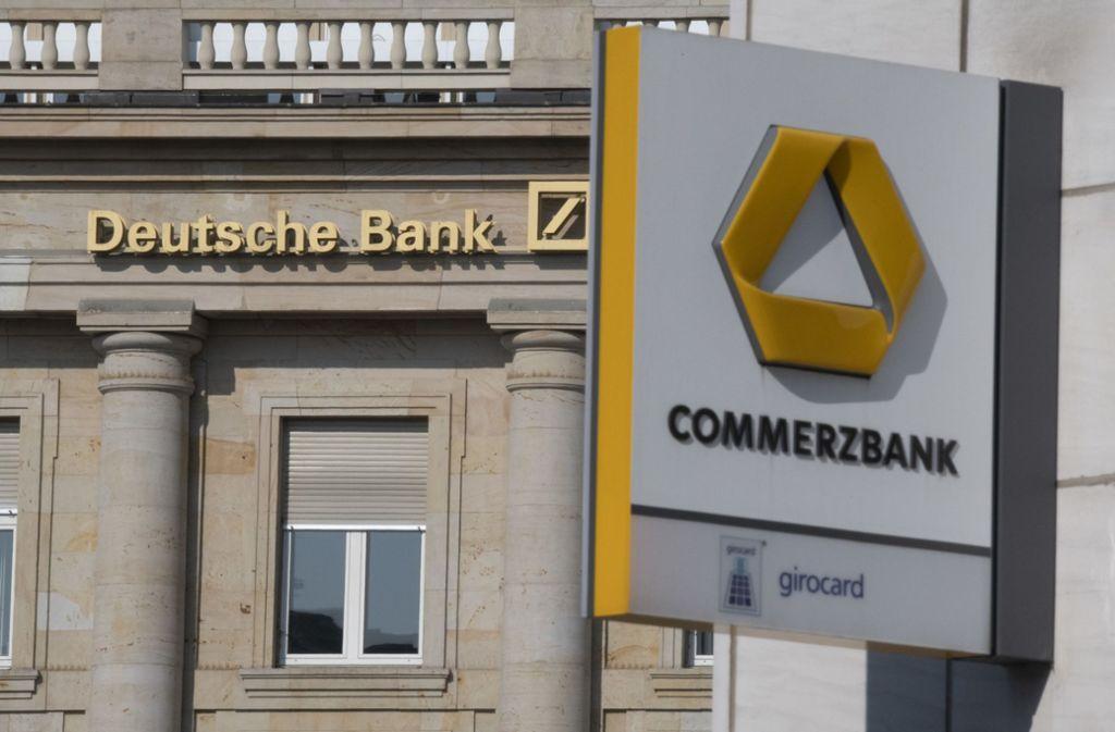 Die Commerzbank kämpft nach der gescheiterten Fusion mit der Deutschen Bank mit den Zahlen. Foto: dpa