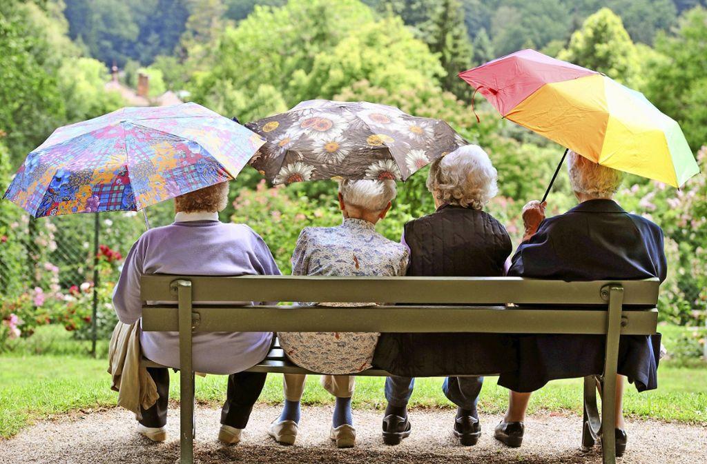 Im Alter unbeschwert in vertrauter Umgebung und so selbstständig wie möglich leben zu können, ist der Wunsch vieler Senioren. Foto: dpa