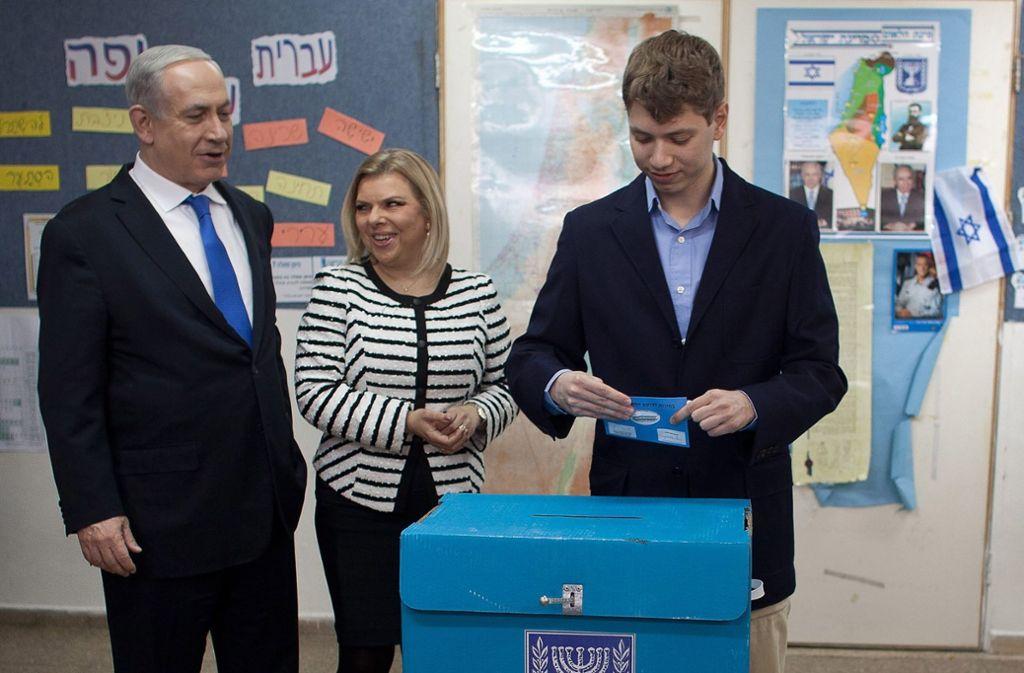 Jair Netanjahu (rechts) wurde wegen radikaler Äußerungen zeitweise von Facebook gsperrt. Foto: GETTY POOL