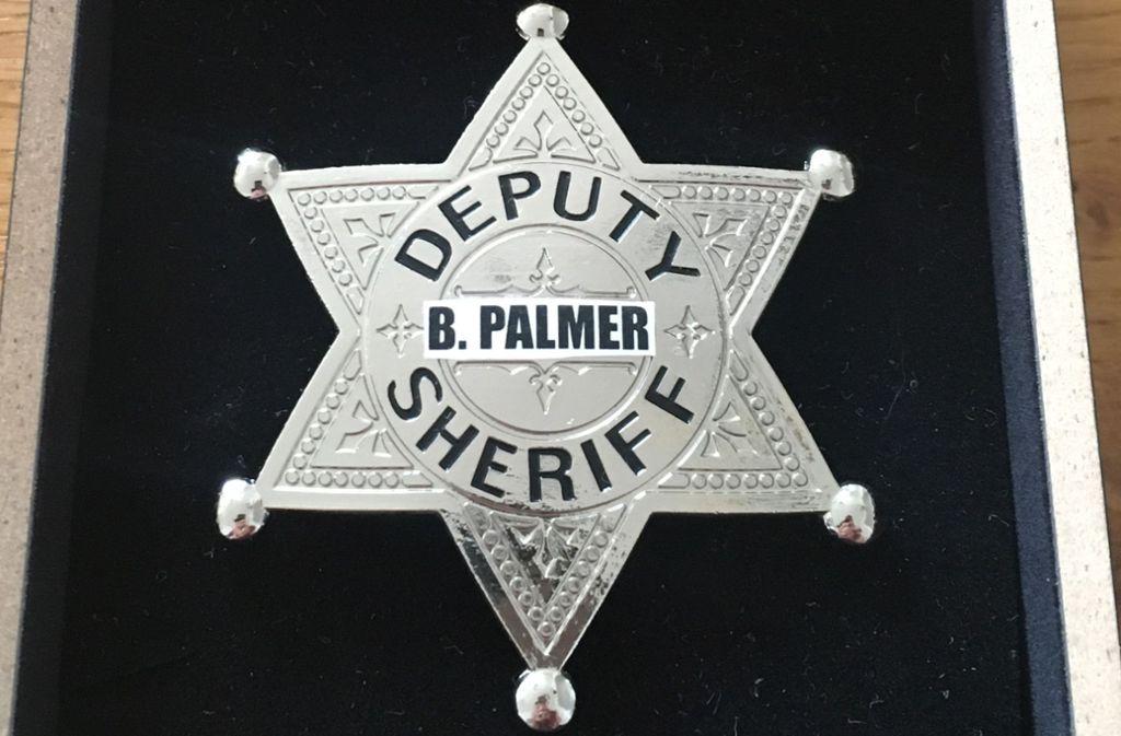Diesen Sheriff-Stern hat der Tübinger OB Boris Palmer am Mittwoch in seiner Dienstpost vorgefunden. Foto: StN