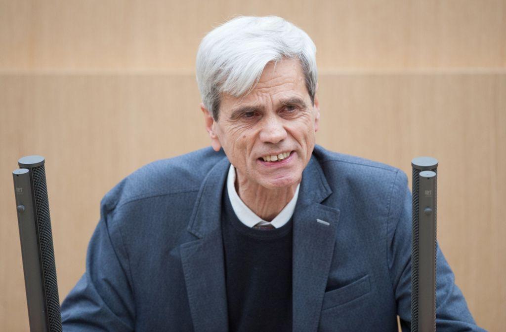 Wolfgang Gedeon bei einer Rede im Landtag Foto: dpa/Christoph Schmidt