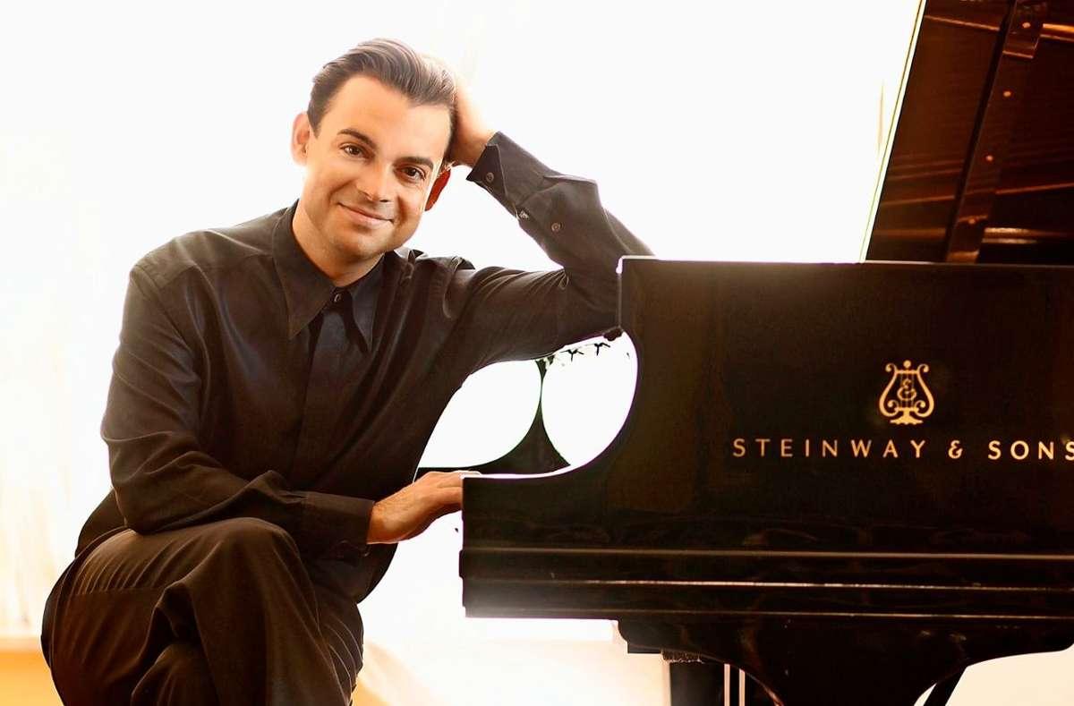 Pianist Dejan Lazic sollte eigentlich im Dezember mit dem Stuttgarter Kammerorchester in der Liederhalle spielen.  Foto: Susie Knoll