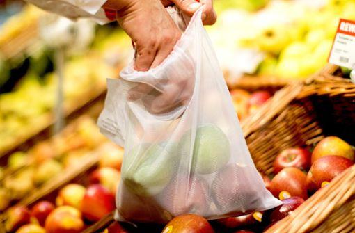 Welche Alternativen bieten Stuttgarter Supermärkte zur Plastiktüte?