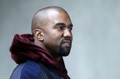 Model mit Hidschab läuft für Kanye West