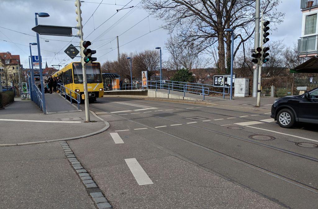 Hier an der Landhausstraße in Gaisburg wären gar keine 80-Meter-Bahnsteige möglich. Foto: Jürgen Brand