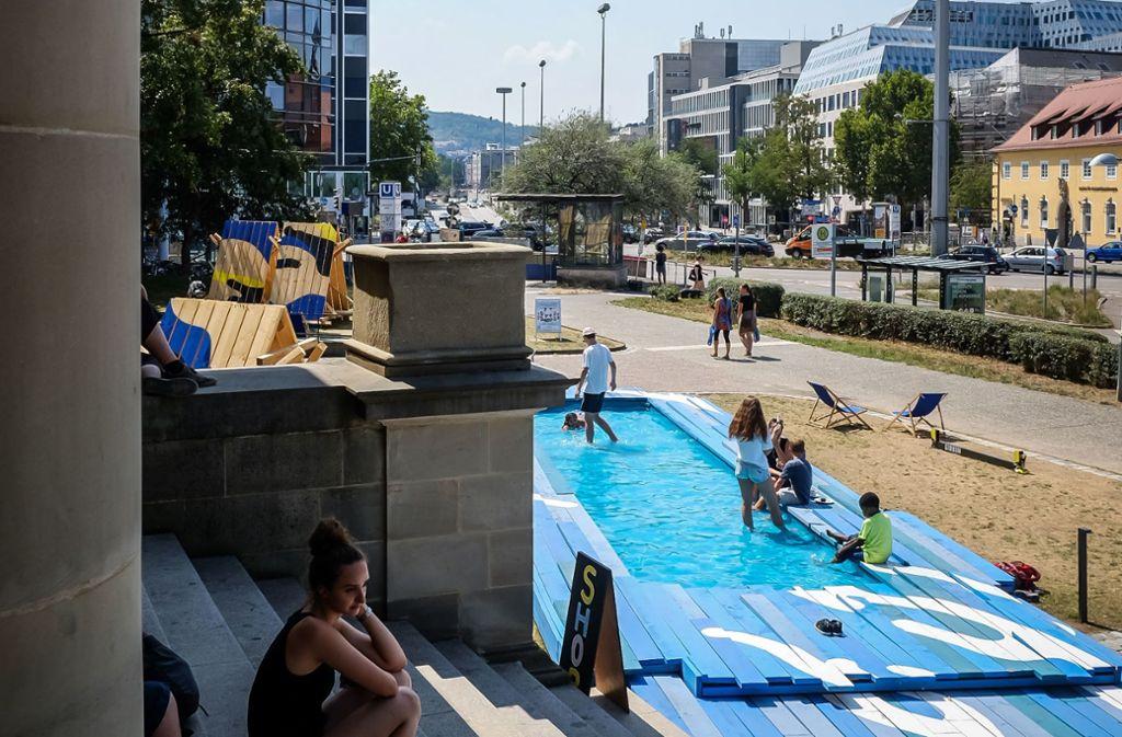 Viel Wasser rund um das Stadtpalais zog vor allem ein junges Publikum an. Foto: Lichtgut/Max Kovalenko