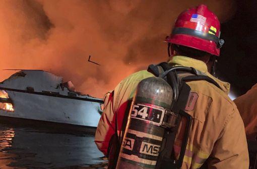 25 Tote bei Feuer –  Suche nach Vermissten geht weiter