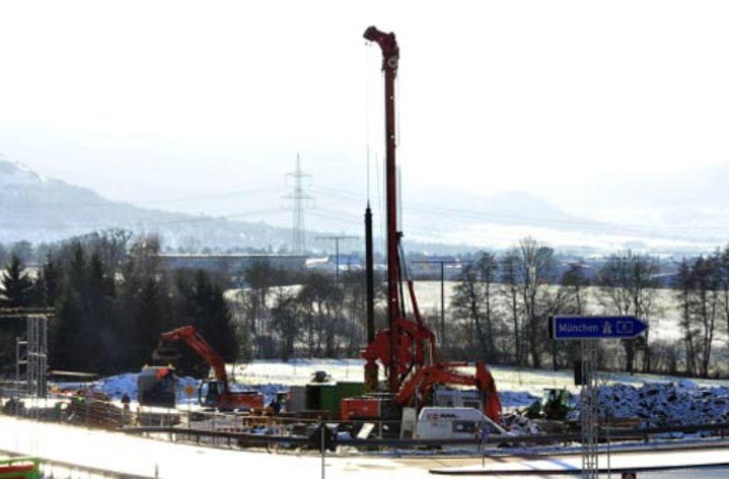 Die Bahn wird nun stärker als geplant an der ICE-Neubaustrecke zwischen Wendlingen und Ulm beteiligt.  Foto: dapd