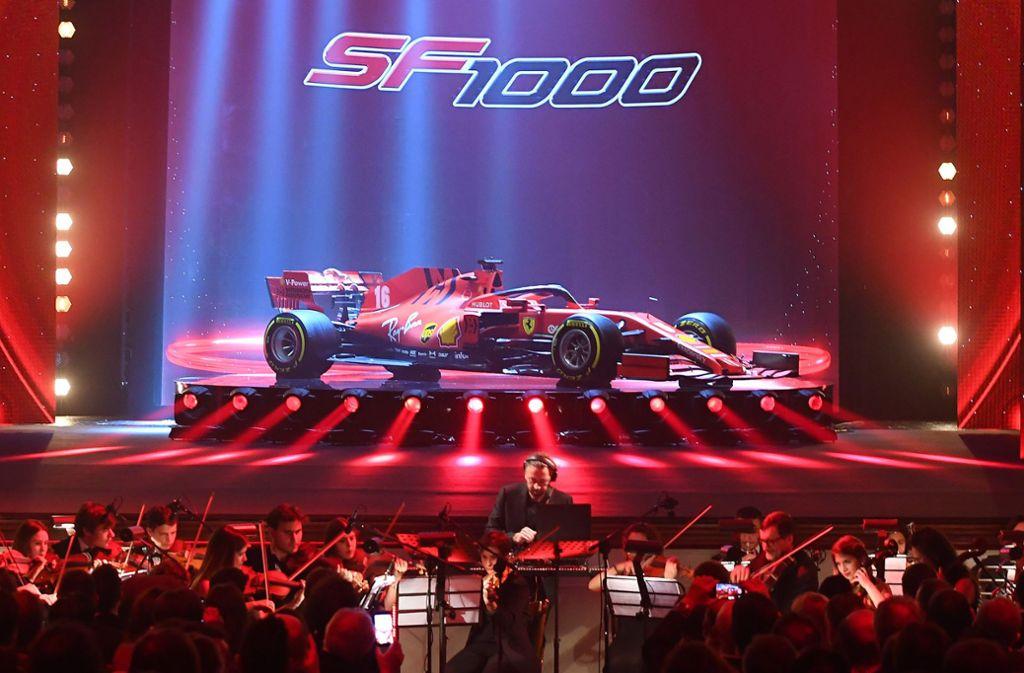 Der SF1000 der Scuderia Ferrari soll in der neuen Formel-1-Saison den Titelverteidiger Mercedes angreifen – vorgestellt wurde das Auto jedenfalls mit großem Getöse im Februar in Maranello. Foto: dpa/Foto Colombo Images