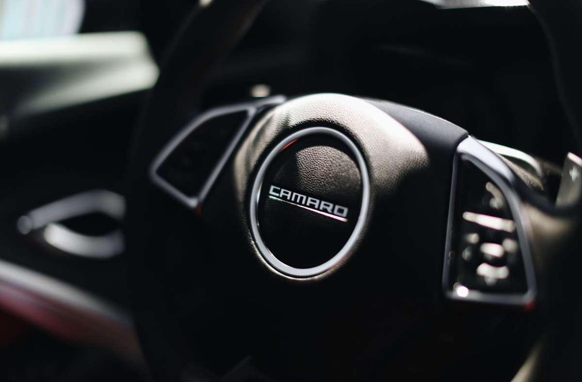 Unfall mit Camaro: rund 60.000 Euro Schaden. Foto: Unsplash/Giorgio Trovato