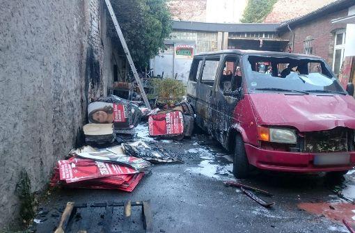 Offenbar Brandanschlag auf Parteibüro der Linken