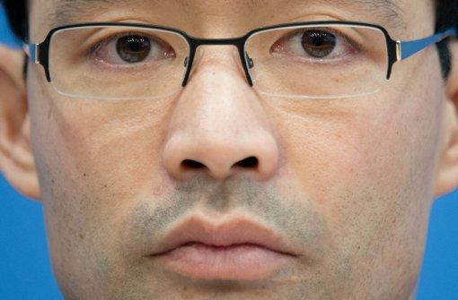 Philipp Rösler schlagen wegen seiner Herkunft Vorbehalte im Wahlvolk entgegen. Foto: dpa