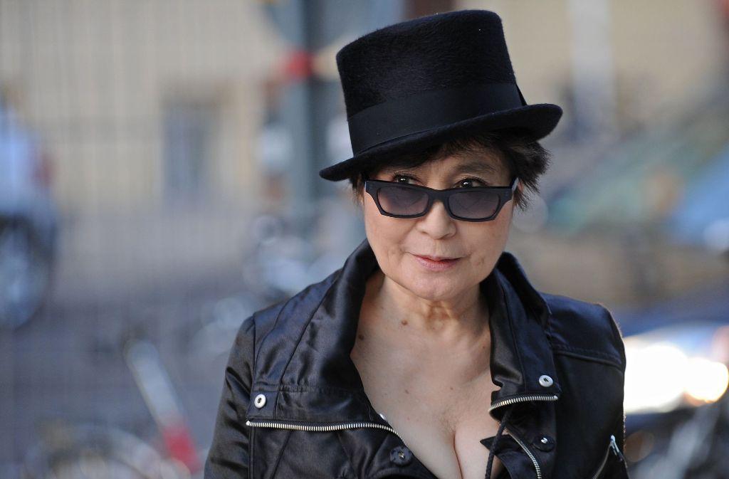 Yoko Ono will erneut durch eine Unterlassungserklärung die Umbenennung einer Hamburger Kneipe erwirken. Foto: dpa-Zentralbild