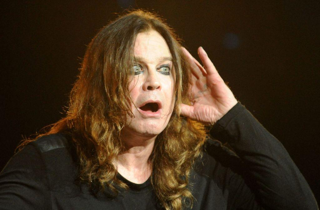 Schlechte Nachrichten: Ozzy Osbourne kann vorerst nicht mehr auf die Bühne. Foto: dpa