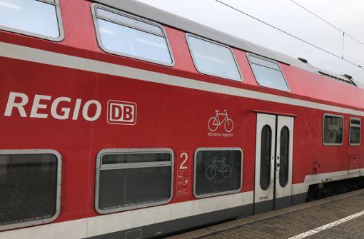 Regionalzug bremst wegen Rangelei scharf ab