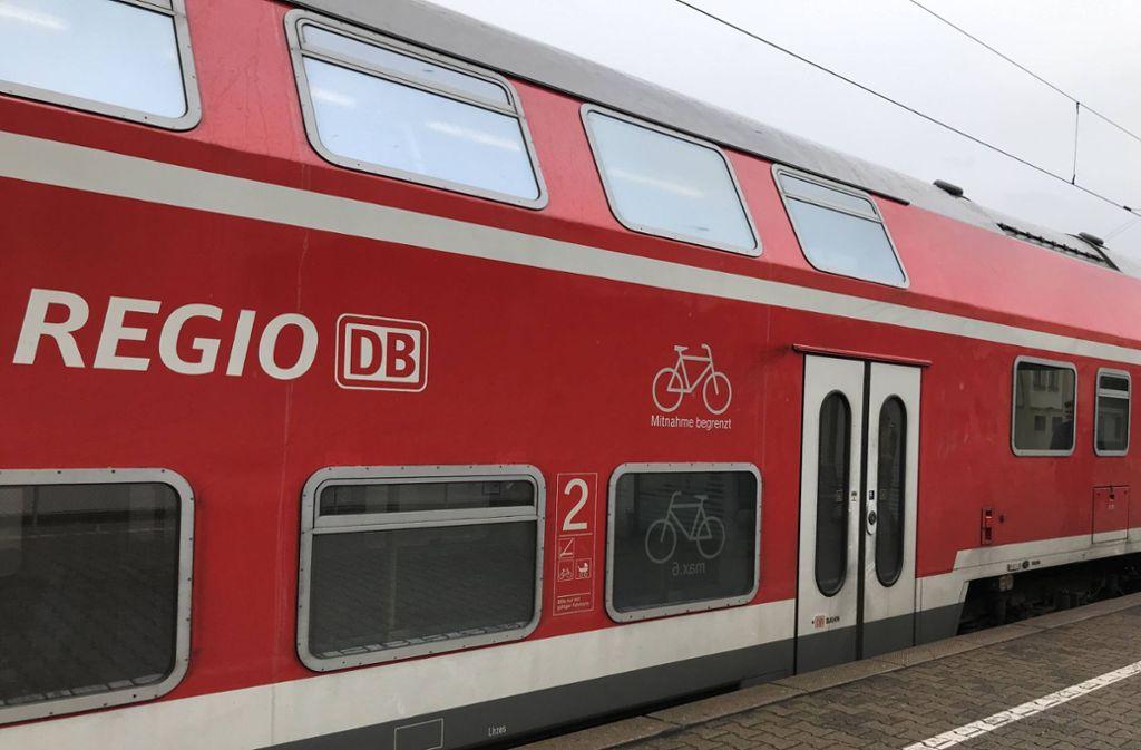 Eine Regionalbahn wie diese bremste scharf ab, nachdem sich ein Streit Richtung Führerhaus bewegt hatte. (Archivbild) Foto: 7aktuell.de/Marc Gruber/www.7aktuell.de/Marc Gruber