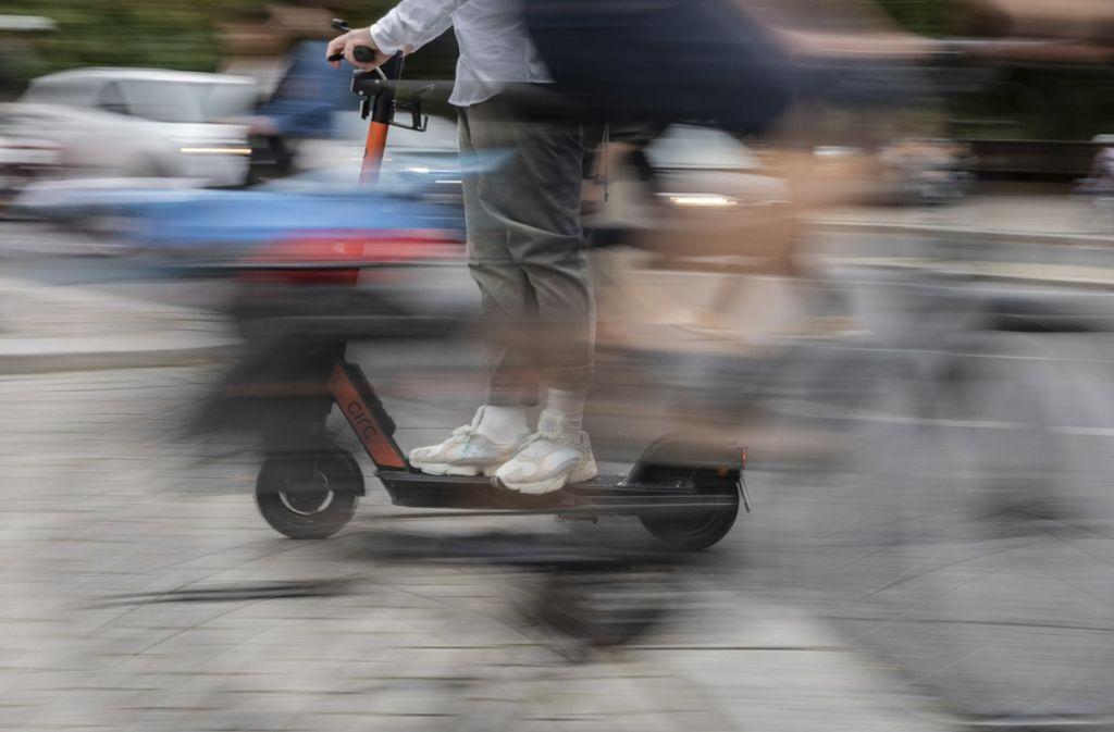 Mit dem E-Scooter elektromobil unterwegs – doch Promillesünder machen Probleme. Symbolfoto Foto: dpa