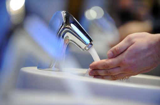 Frauen waschen sich oft gründlicher die Hände