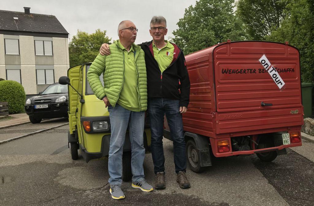 Startbereit: Ulrich Strasser (li.) und Wolfgang Schweizer in Stuttgart-Mühlhausen Foto: Decksmann